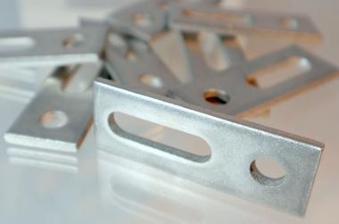 Adapterplatte für M10 Stockschraube Solarprofil Anbindung